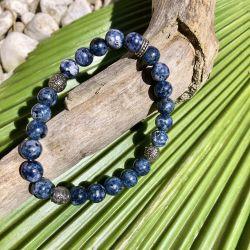 Le bracelet en lapis-lazuli
